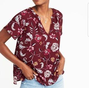 Old Navy floral sleeve swing top